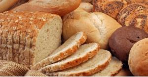 كيف تجعلي الخبز القديم صالح للأكل مرة أخرى؟
