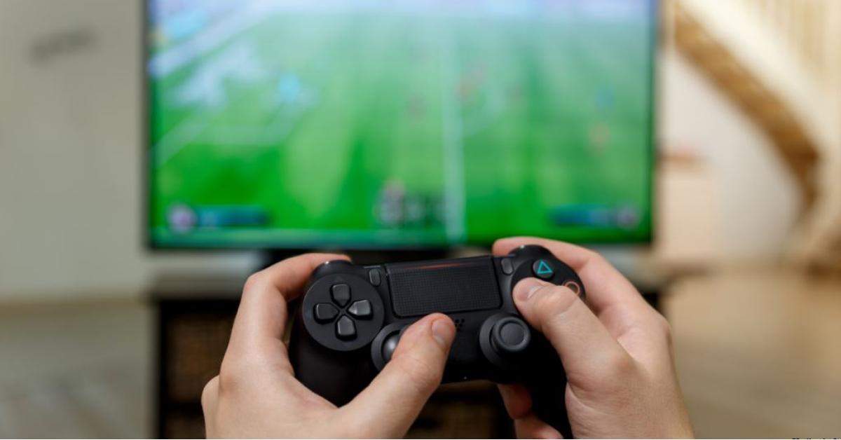 """لماذا يدمن الرجال """"ألعاب الفيديو"""" أكثر من النساء"""