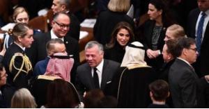 الملك والملكة يشاركان الرئيس الامريكي السابق بوش