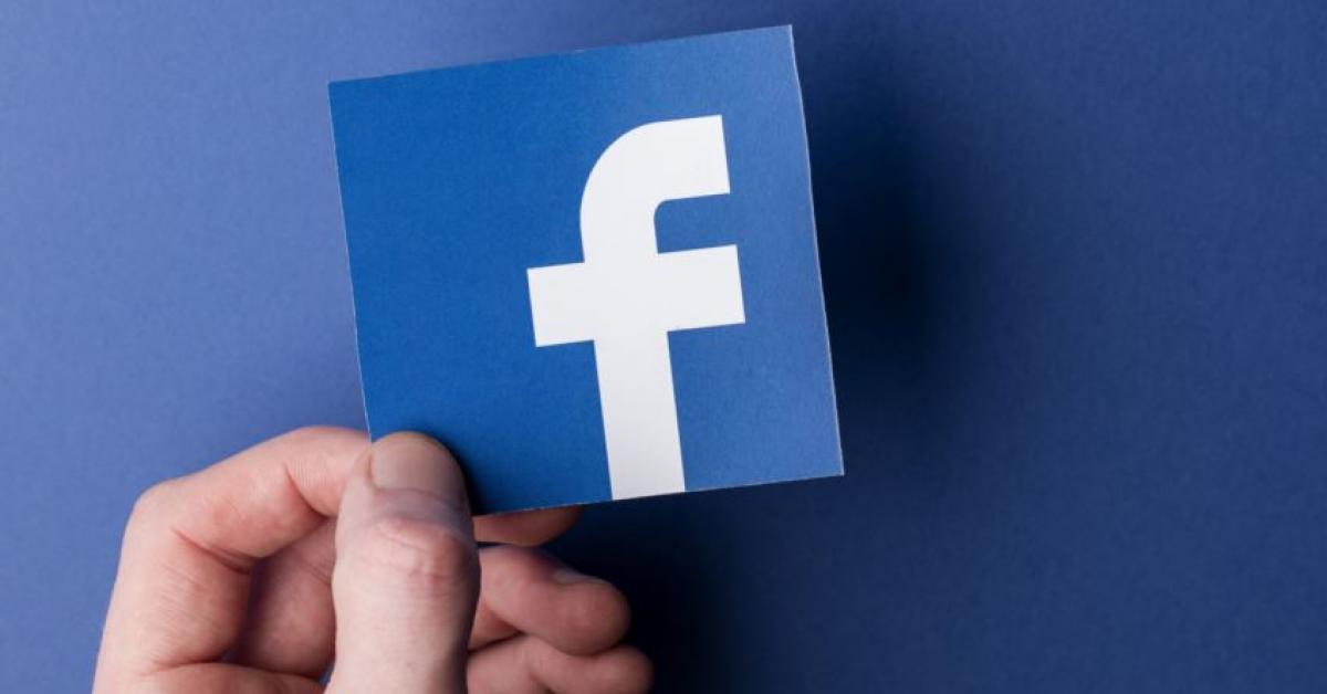 فيسبوك يطرد مستخدمي تطبيقه بشكل غامض!
