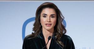 """الملكة رانيا تستلم جائزة """"شخصية العام"""""""