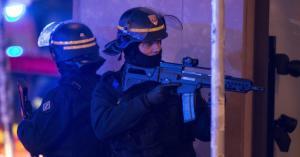 """فرنسا: قتلى وجرحى بهجوم """"إرهابي"""""""
