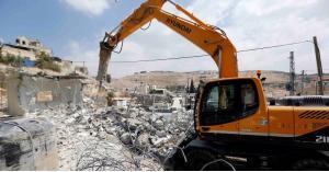الإحتلال يهدم منزل عائلة أبو حميد بمخيم الأمعري