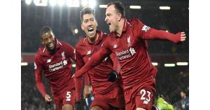 ليفربول يسحق مانشستر يونايتد ويحتفظ بالصدارة