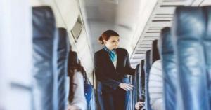 مضيفة طيران تكشف عن حقائق مخيفة حول الرحلات الجوية