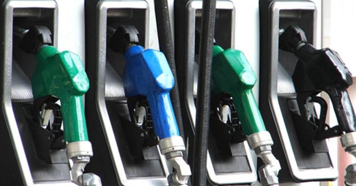 من بينها الأردن.. هذه أرخص وأغلى الدول العربية في أسعار البنزين