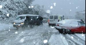 زيارة لطيفة لثلوج عمّان وهذه حالة الطرق
