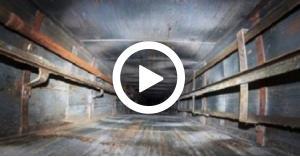 سقوط شاب داخل مصعد في العقبة.. الفيديو