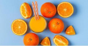 شرب العصائر أكثر فائدة للصحة أم تناول الفاكهة؟
