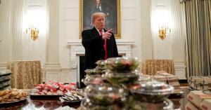 بيتزا وبرغر لضيوف البيت الأبيض