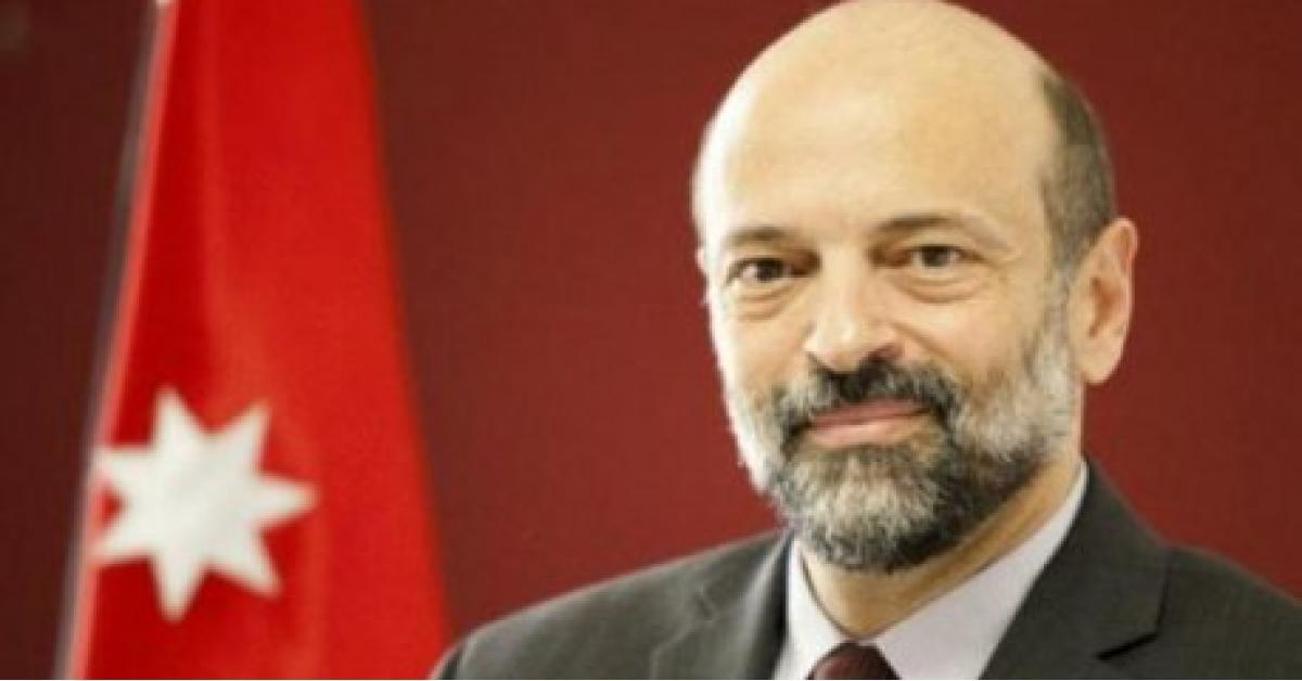 """انباء عن تعديل وزاري """"محدود"""" على حكومة الرزاز"""