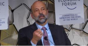 الرزاز: الاردن حافظ على استقراره السياسي والاجتماعي رغم الازمات المتعاقبة