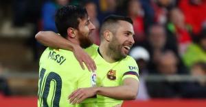 ميسي يقود برشلونة لحسم الديربي بثنائية