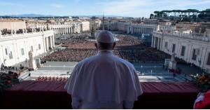 أول مرة بالتاريخ.. البابا في الخليج