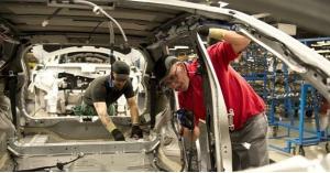 نيسان تلغي مشروعا لتصنيع سيارة اكس تريل في بريطانيا