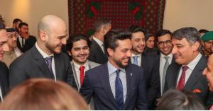 ولي العهد يلتقي أبناء الجالية الأردنية بالبحرين (صور)