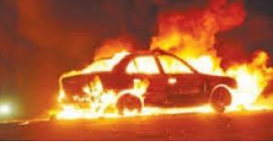 """حريق مركبة بالقرب من """"الدوار الثالث"""" في عمان"""