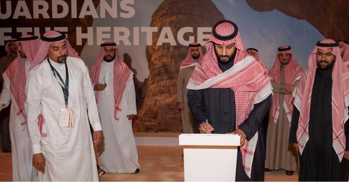 """بن سلمان یدشن """"رؤیة العلا"""" لتحویلھا لواجھة تراثیة عالمیة (صور)"""