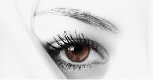 الحكمة من إبقاء العين مفتوحة أثناء السجود في الصلاة