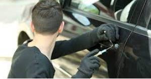 القبض على سارق مركبات في عمّان