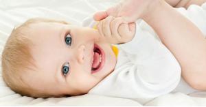 نصائح لحماية بشرة طفلك من برودة الشتاء