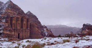 الثلوج في البتراء
