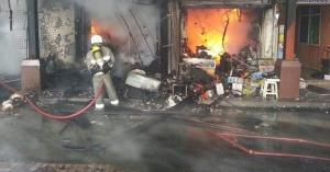 التهديد بالانتحار وراء حريق سوبر ماركت في المفرق