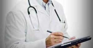 طبيب يتعرض لصدمة قوية إثر قتله مريضته الطفلة بعد علاجها دون قصد
