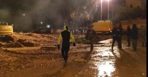 شاهد بالفيديو.. مياه المطر تداهم منازل في عمان