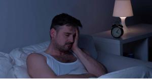 أسباب الاستيقاظ اكثر من مرة في الليل