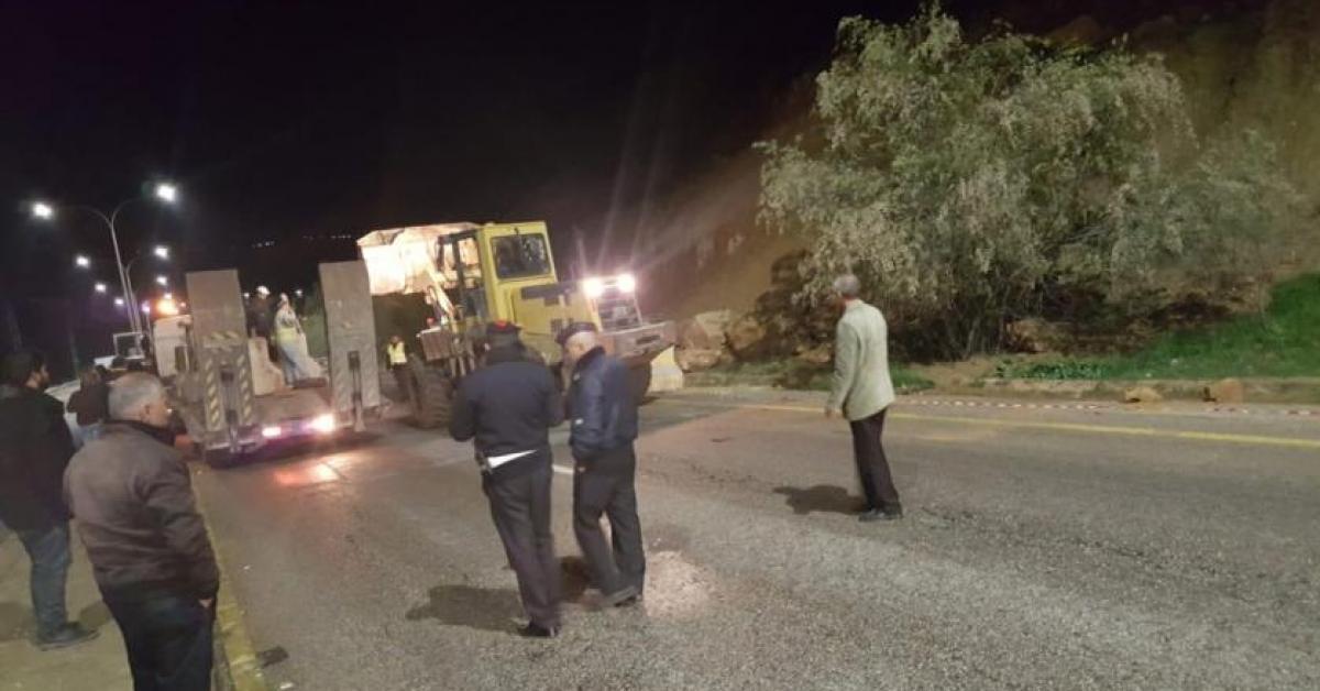 ماذا يحدث على طريق جرش - عمان؟ (صور)