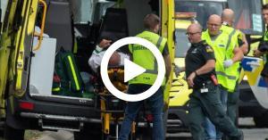 """بالفيديو.. """"مشاهد ينفطر لها القلب"""" من داخل المسجد بعد مذبحة نيوزلندا"""