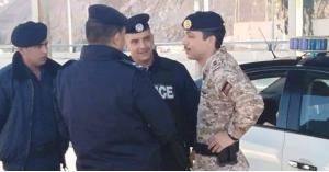 ولي العهد يفاجئ دورية شرطة في العقبة