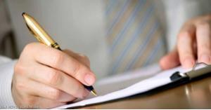 شاب يكتب رسائل لـ246 فتاة... للعثور على 'ساندريلا'