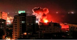 بالصور.. انفجارات ضخمة في محيط مطار حلب