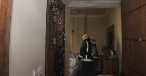 شاهد بالصور.. حريق بأحد فنادق مكة والدفاع المدني يخلي 700 معتمر