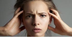 التوتر يؤثر على بشرتك وأظافرك وهذه اضراره