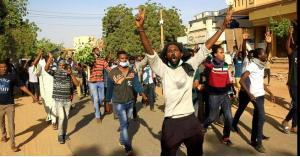 السودان: تحذيرات غربية ودعوات لتسليم السلطة