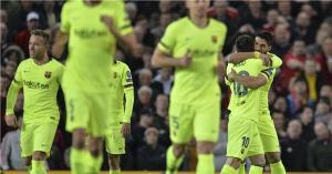 """برشلونة يتغلب على الشياطين الحمر بـ""""النيران الصديقة"""""""