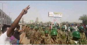 """اعتقال الرئيس عمر البشير و""""اقتلاع النظام"""""""