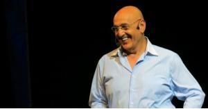 نجل الفنان نبيل صوالحة يعتنق الإسلام