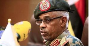 بن عوف يتنازل عن رئاسة المجلس العسكري في السودان