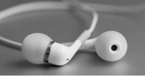مخاطر كارثية للسماعات اللاسلكية
