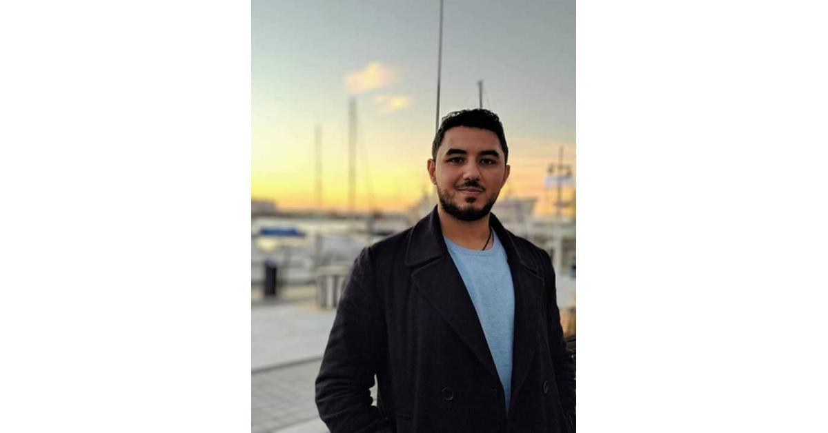 طبيب أردني ينقذ حياة سيدة توقف قلبها على متن رحلة طيران