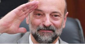 الرزاز يرفع الحصانة عن نائب بناء على شكوى مواطن