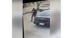 لحظة القبض على تاجر مخدرات في الكرك.. فيديو