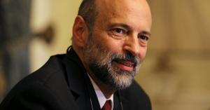 الرزاز يستعد للتعديل الوزاري الثالث بمغادرة (11) وزيراً