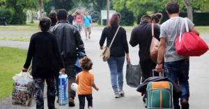 الداخلية الألمانية تعلّق طلبات لجوء السوريين