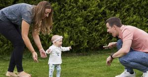 معجزة .. طفله تخطو نحو الحياة بعمر ستة أشهر