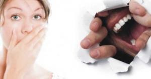 طرق للتخلص من رائحة الفم الكريهة أثناء الصوم